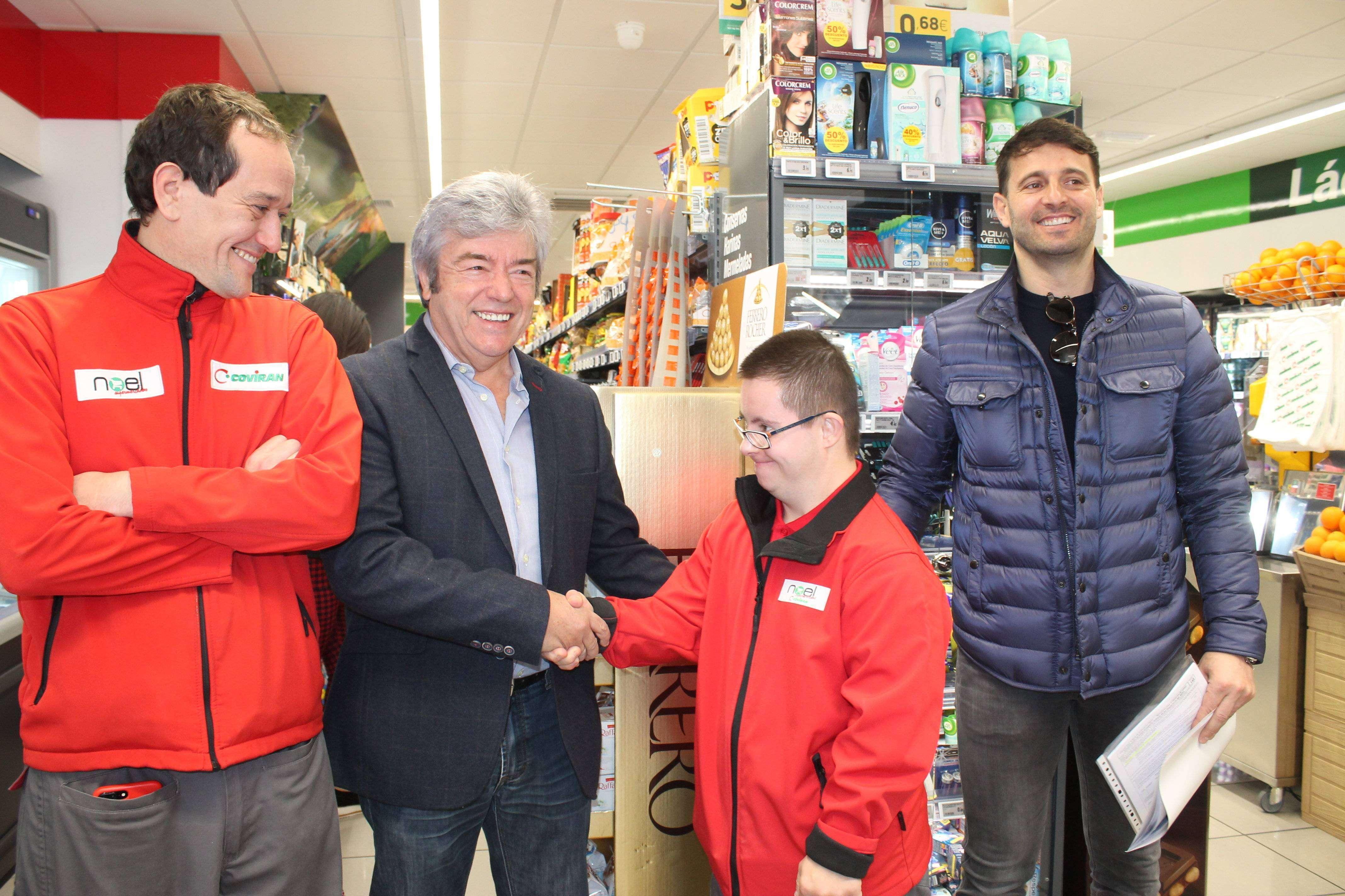 Germán, nuevo miembro de la plantilla del supermercado Covirán