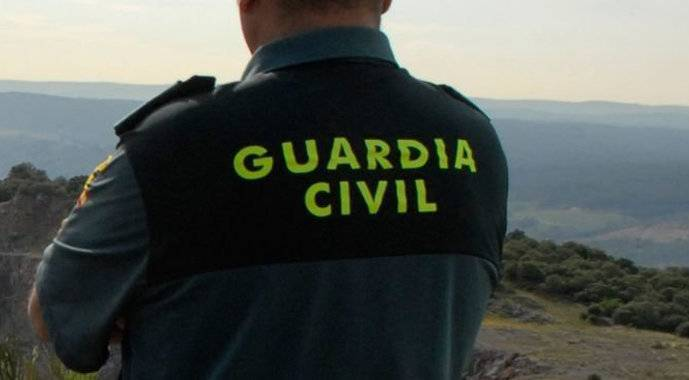 Un agente de la Guardia Civil (C.A./ARCHIVO)
