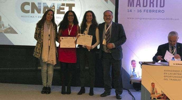 Miembros del equipo autor del estudio recogen el premio (CEDIDA)