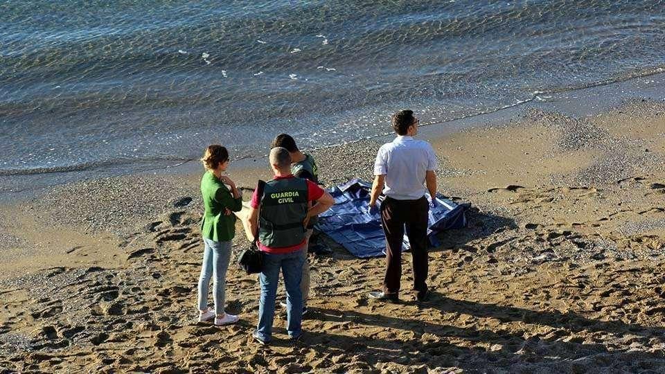 Aparece un cadáver en la playa del Chorrillo - Ceuta Actualidad